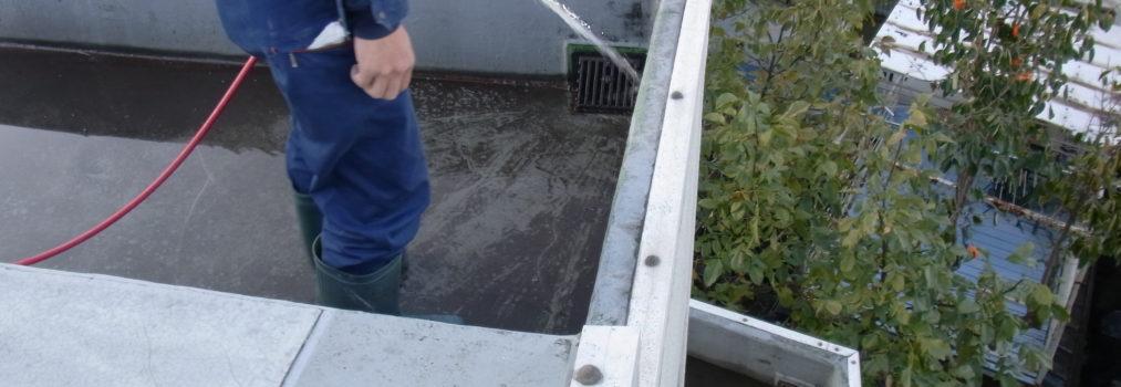 マンション 共用部 屋上排水溝清掃
